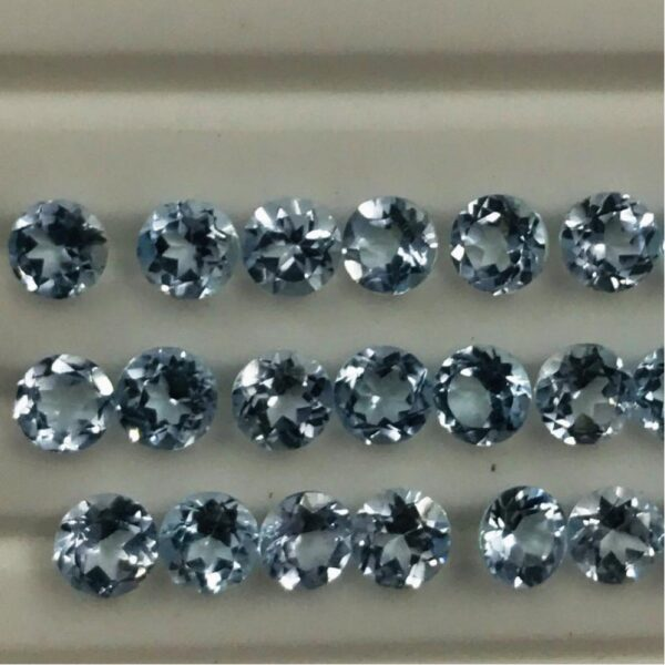 sky blue topaz faceted round