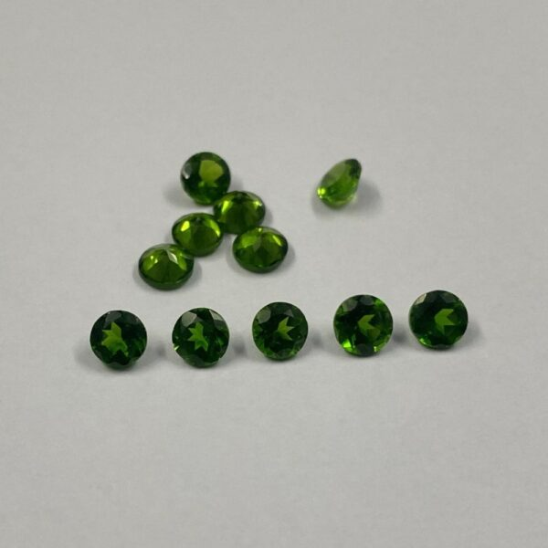 4mm chrome diopside